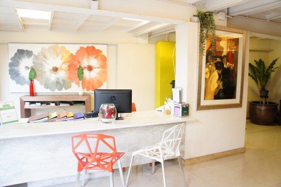Ratchadamnoen Residence: Reception