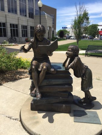 Bay City, MI: Alice & Jack Wirt Public Library