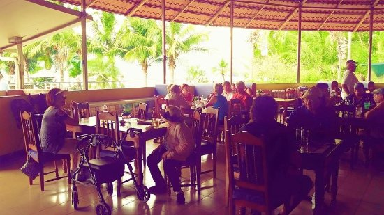 Golfito, Costa Rica: Restaurant during the day