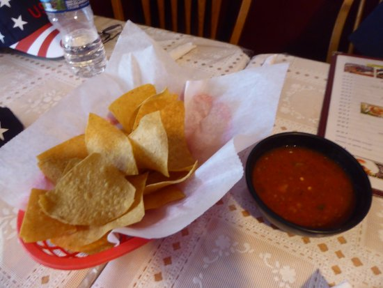 La Chocita Grill: Chips and Spicy Salsa