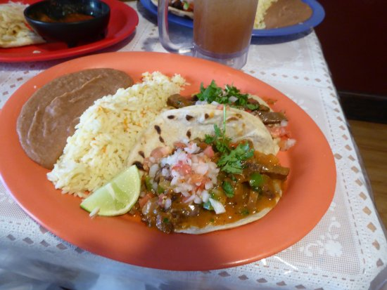 La Chocita Grill: Beef Tongue Soft Tacos, Rice and Beans