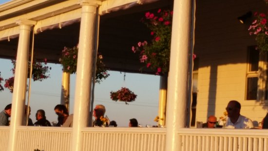 Narragansett Inn: 20170626_195928_large.jpg