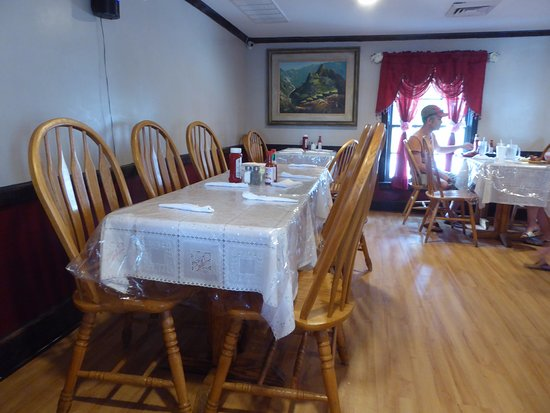 La Chocita Grill: Dining Table