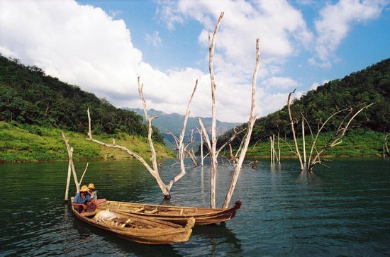 Inle Lake Full-Day Cruise with...