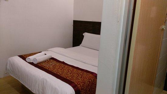Hotel Rasah Seremban : Double queen bed room