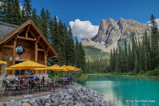 emerald lake picture of west trek tours vancouver. Black Bedroom Furniture Sets. Home Design Ideas