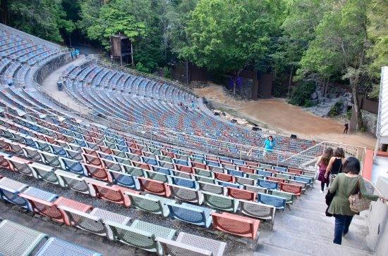 Mountainside Theatre: Theatre view