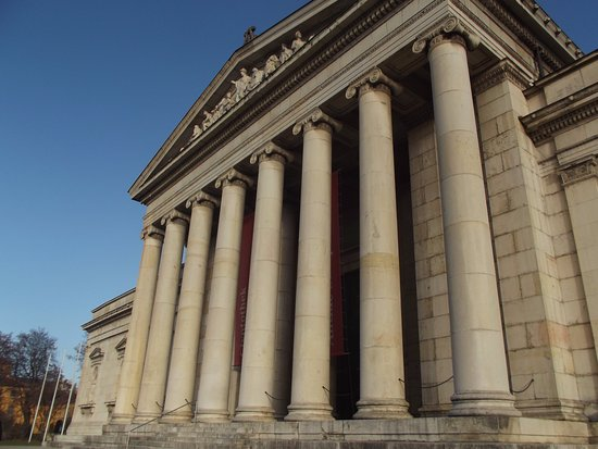 Glyptothek: The entrance