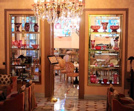 Patisserie de Pera, Istanbul , Beyoğlu , Restaurant Avis, Numéro de  Téléphone \u0026 Photos , TripAdvisor