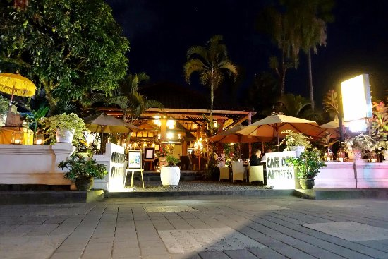 One Evening at Cafe des Artistes Ubud - Bali
