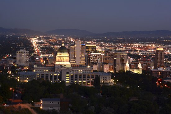 Salt Lake City Guided Tours From The Lights At Night Tour