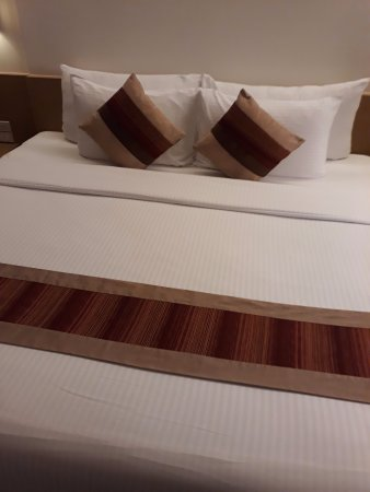 CityPoint Hotel: Very comfy and clean bed! Very huge too!