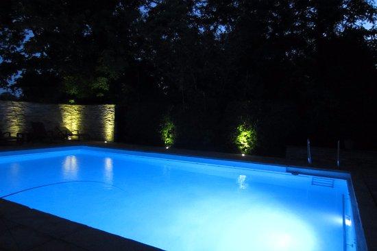 Bad Bellingen, Tyskland: Zwembad bij avond