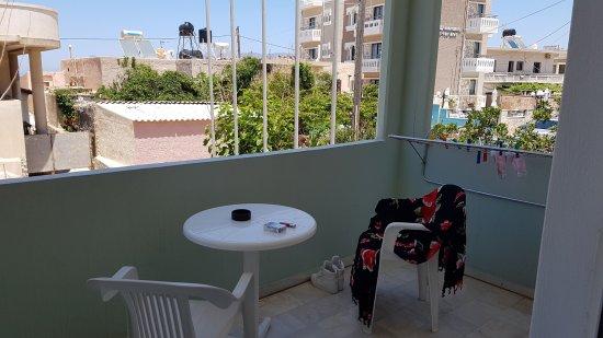 Revekka Rooms B&B: Balcony