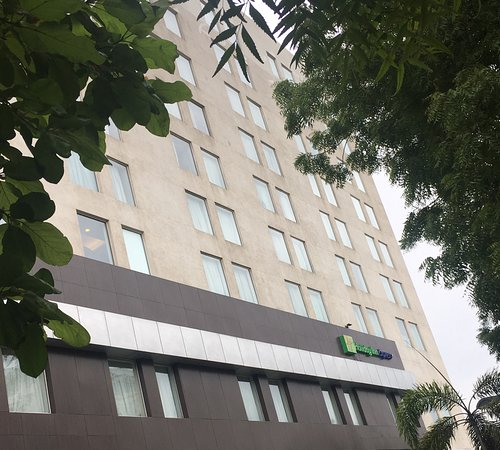 Holiday Inn Express Ahmedabad Photo
