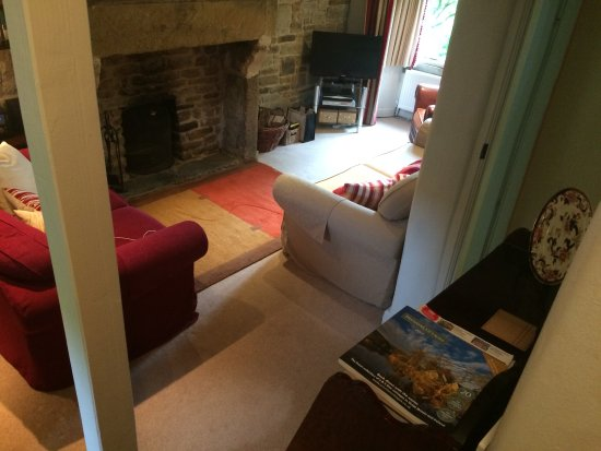 Edale, UK: View of lounge from stairs
