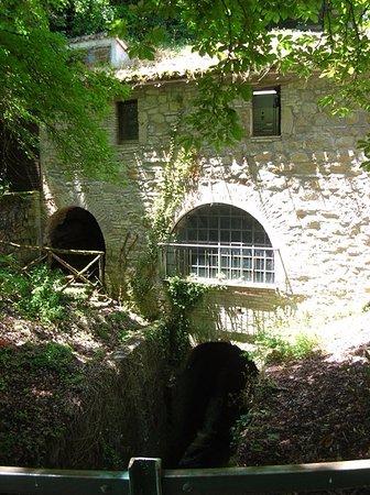 Castello di Lanciano: Mulino sul Potenza