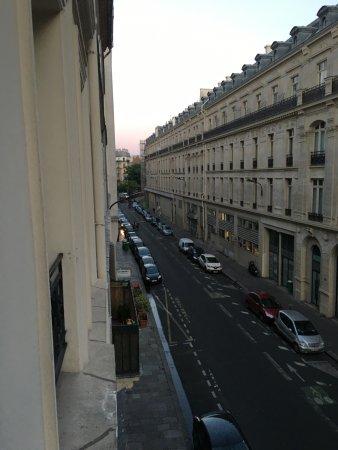 Hibiscus Republique Hotel Paris Review