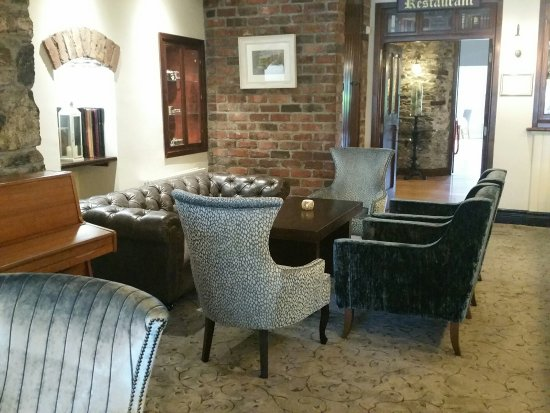 The Heights Hotel Killarney: Relax and unwind in our lounge