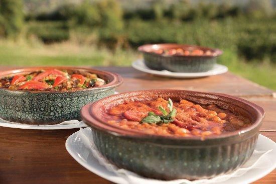 Makedonya Cumhuriyeti: baked beans -Macedonian tavče gravče