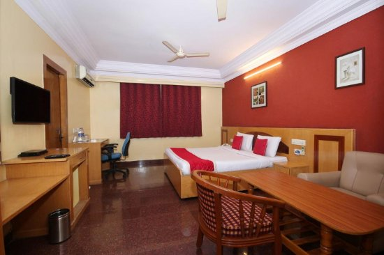 RB Hospitality: Typical room with all amenities and abundant space.