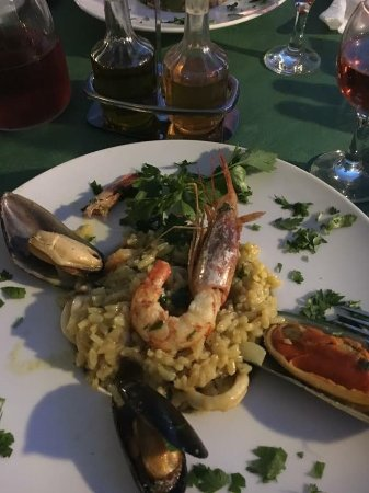Captain Zorbas: Seafood risotto - full of mussels, prawns, calmari, squid and octopus