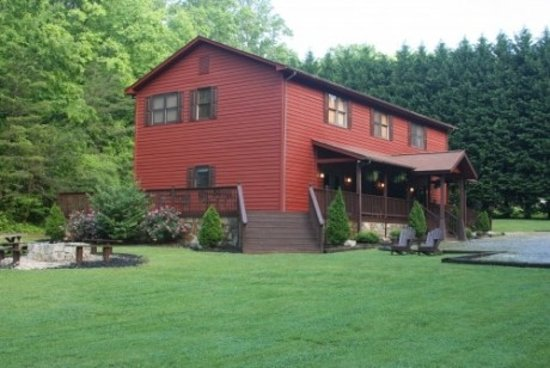 Tanglewood Park Hotels