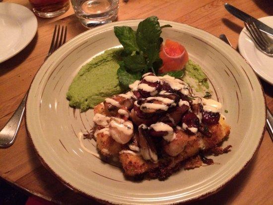 Redcliff Restaurant & Bar : Salmão com polenta e mexilhões