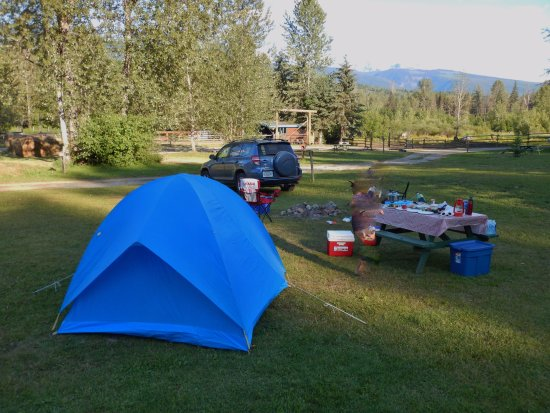 Helmcken Falls Lodge: Tent site #3 has beautiful mountain view