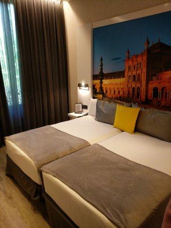 Hotel Vueling BCN by Hc : CameraZOOM-20170620130551465_large.jpg