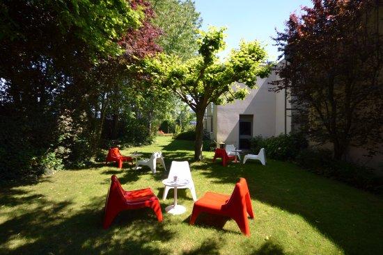 Эрувилль-Сент-Клер, Франция: Jardin