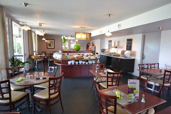 Эрувилль-Сент-Клер, Франция: Restaurant