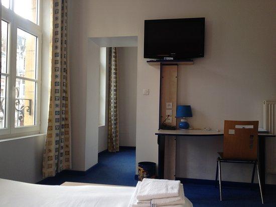 cesar hotel charleville mezieres frankrike omd men och prisj mf relse tripadvisor. Black Bedroom Furniture Sets. Home Design Ideas