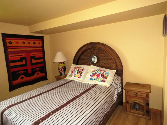 Gabriola Island, Canada: bedroom number 1, complete with our Mexican furnishings