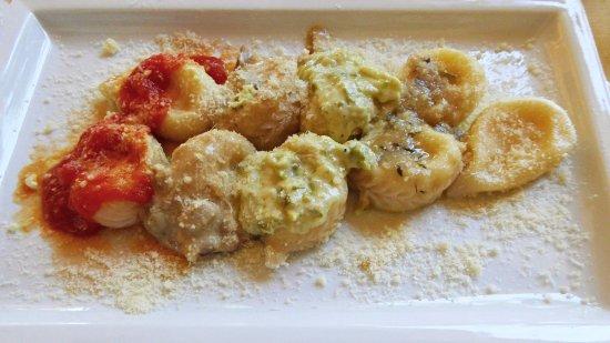 Arzana, Italien: Squisiti culurgiones al pomodoro, ai porcini, agli asparagi, al timo, al naturale