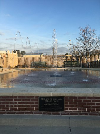The Cornelia Splash Pad is a fun water park for all ages in downtown Cornelia.