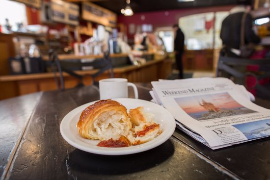 Red Hen Baking Co.: breakfast and the paper