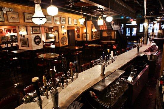 Papillon bistro bar new york omd men om restauranger for Papillon new york