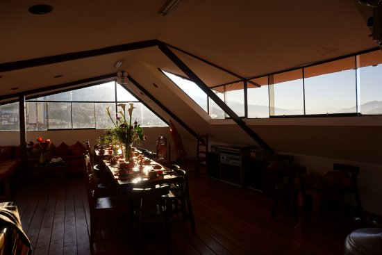 Casa Hospedaje Hatun Quilla : veranda colazione