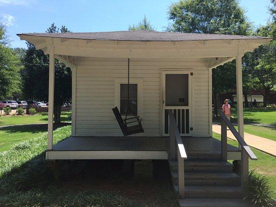 Car Lots In Tupelo Ms >> Birthplace of Elvis Presley - Picture of Elvis Presley Birthplace & Museum, Tupelo - TripAdvisor