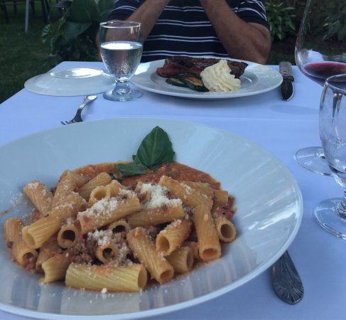 Warwick, NY: Amazing delicious bolognese pasta and my husband had a very delicious New York strip loin! And t