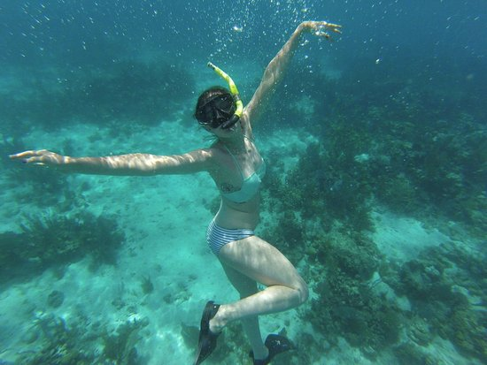 Cruz Bay, St. John: My 18 yo mermaid want to be!!!