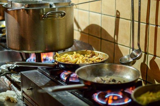 Agios Prokopios, Grecia: Real time cooking