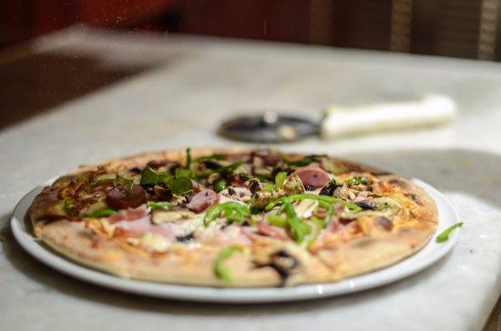 La Trattoria: Best Pizza