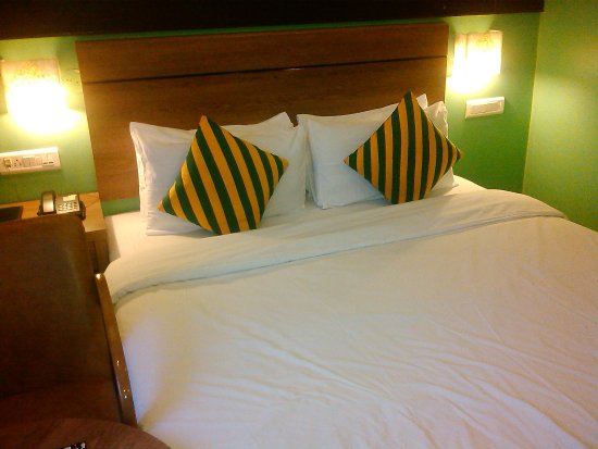 Hotel Jamayca: Clean bed