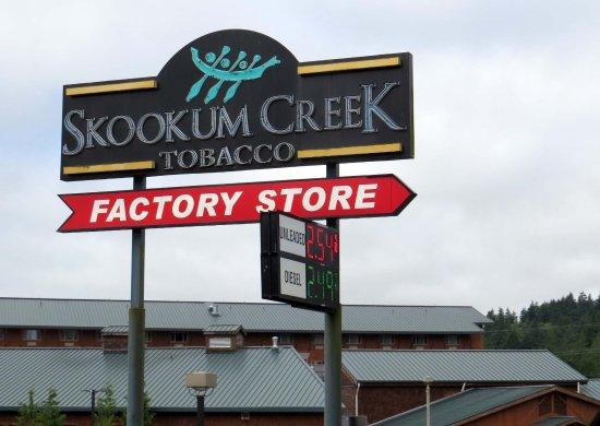 Shelton, WA: Little Creek Casino and stores