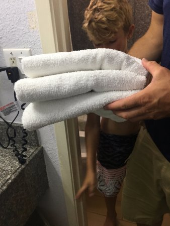 3 Very Small Bath Towels Picture Of Fairway Inn Fort Walton Beach