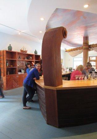 Jamesport, NY: Bar shaped like a ship