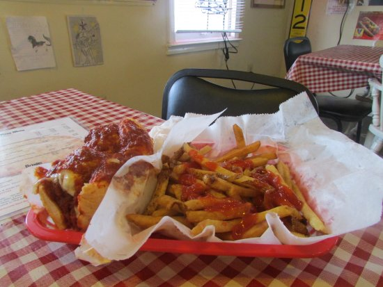 Horn Lake, MS: Meatball sandwich with fries