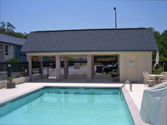 Bastrop, LA: Pool